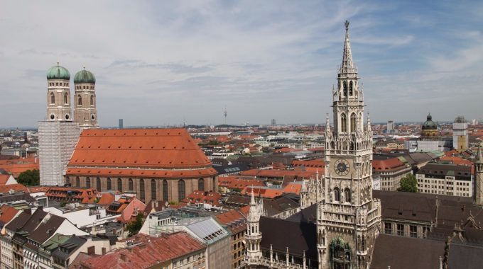 Münih Üniversitesi (LMU München)